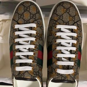 Gucci men's Ace GG Supreme Sneaker with Bees New